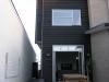 Terrasse und Seiteneingang